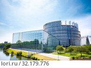 Купить «MAY 05, 2019: European Parliament view over river», фото № 32179776, снято 5 мая 2019 г. (c) Сергей Новиков / Фотобанк Лори