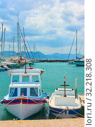 Купить «Port of Aegina and fishing boats», фото № 32218308, снято 13 сентября 2019 г. (c) Роман Сигаев / Фотобанк Лори