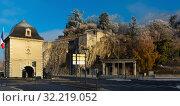 Купить «Porte de France and Jardin des Dauphins, Grenoble, France», фото № 32219052, снято 7 декабря 2017 г. (c) Яков Филимонов / Фотобанк Лори