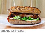 Купить «Whole grain hot dog with grilled sausage», фото № 32219156, снято 13 декабря 2019 г. (c) Яков Филимонов / Фотобанк Лори