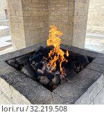Купить «Азербайджан, храм огня Атешгях, горящие выходы естественного газа», фото № 32219508, снято 10 сентября 2019 г. (c) Овчинникова Ирина / Фотобанк Лори