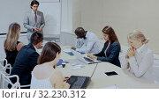 Купить «Male angry boss blaming female office worker in office», видеоролик № 32230312, снято 8 декабря 2019 г. (c) Яков Филимонов / Фотобанк Лори