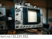 Купить «Electrical testing tools in lab, oscilloscope», фото № 32231552, снято 17 июня 2019 г. (c) Tryapitsyn Sergiy / Фотобанк Лори
