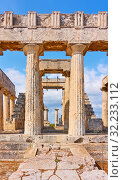 Купить «Temple of Aphaea in Aegina Island», фото № 32233112, снято 13 сентября 2019 г. (c) Роман Сигаев / Фотобанк Лори