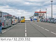 Купить «Посадка на Паром P&O, «Pride of Rotterdam»», фото № 32233332, снято 15 августа 2019 г. (c) Сергей Афанасьев / Фотобанк Лори