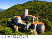 View of medieval castle Branik (Rihemberk) in Nova Gorica. Slovenia (2019 год). Стоковое фото, фотограф Яков Филимонов / Фотобанк Лори