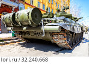 Купить «Russian army main battle tank T-72B3M», фото № 32240668, снято 5 мая 2018 г. (c) FotograFF / Фотобанк Лори