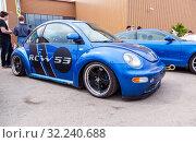 Купить «Tuned automobile Volkswagen Beetle», фото № 32240688, снято 19 мая 2018 г. (c) FotograFF / Фотобанк Лори