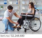 Купить «Patient undergoing rehabilitation recovery programme with doctor», фото № 32244680, снято 18 апреля 2017 г. (c) Elnur / Фотобанк Лори