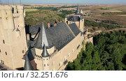 Купить «Aerial view of fortress Alcazar of Segovia. Spain», видеоролик № 32251676, снято 17 июня 2019 г. (c) Яков Филимонов / Фотобанк Лори