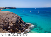 Купить «Пейзажи острова Лансароте, пляжи Playas de Papagayo», фото № 32275476, снято 13 августа 2019 г. (c) Tamara Kulikova / Фотобанк Лори