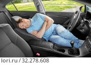 Купить «tired man or driver sleeping in car», фото № 32278608, снято 25 августа 2019 г. (c) Syda Productions / Фотобанк Лори