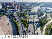 Москва, автомобильная развязка на МКАД и Ленинградском шоссе (2019 год). Стоковое фото, фотограф glokaya_kuzdra / Фотобанк Лори