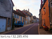 Купить «Streets of old French town Bligny-sur-Ouche, located in France», фото № 32285416, снято 12 октября 2018 г. (c) Яков Филимонов / Фотобанк Лори