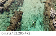 Top view of the Famous Sunrise Beach in Protaras, Cyprus. Стоковое видео, видеограф Володина Ольга / Фотобанк Лори