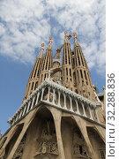 Sagrada Familia Cathedral. Barcelona. Catalonia. Spain (2019 год). Редакционное фото, фотограф Моисеев Дмитрий / Фотобанк Лори
