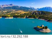 Aerial landscape with Serre-Poncon Lake (2019 год). Стоковое фото, фотограф Яков Филимонов / Фотобанк Лори