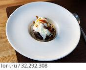 Купить «Chocolate brownie with ice cream», фото № 32292308, снято 22 октября 2019 г. (c) Яков Филимонов / Фотобанк Лори
