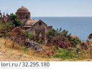 Купить «Fortified City Monemvasia (Laconia, Greece, Peloponnese)», фото № 32295180, снято 15 июня 2019 г. (c) Татьяна Ляпи / Фотобанк Лори