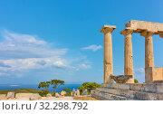 Купить «Temple of Aphaea in Aegina Island and sea», фото № 32298792, снято 13 сентября 2019 г. (c) Роман Сигаев / Фотобанк Лори