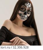 Купить «Woman with smart artistic makeup in horror style», фото № 32306928, снято 28 октября 2016 г. (c) Гурьянов Андрей / Фотобанк Лори