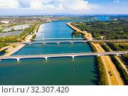 Купить «Three bridges near Roquemaure», фото № 32307420, снято 30 августа 2019 г. (c) Яков Филимонов / Фотобанк Лори