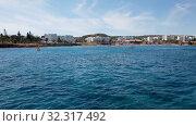 Купить «The Mediterranean traffic along Protaras, Cyprus», видеоролик № 32317492, снято 21 октября 2019 г. (c) Володина Ольга / Фотобанк Лори