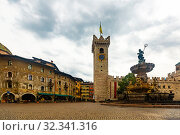 Piazza Duomo,Trento (2019 год). Стоковое фото, фотограф Яков Филимонов / Фотобанк Лори