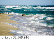 Big waves on the black sea. Spit Belyaus. Tarhankut. the village is peaceful .Crimea. (2019 год). Стоковое фото, фотограф Алексей Маринченко / Фотобанк Лори