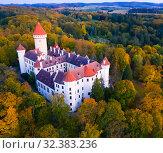 Купить «Panoramic view from drone of castle Konopiste Castle. Czech Republic», фото № 32383236, снято 12 октября 2019 г. (c) Яков Филимонов / Фотобанк Лори