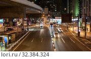 Купить «Автомобильное движение на дорогах в городе Токио в ночное время, Япония», видеоролик № 32384324, снято 5 ноября 2019 г. (c) Кекяляйнен Андрей / Фотобанк Лори