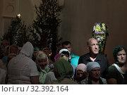 Купить «Праздничная литургия в Свято-Духовом храме села Шкинь», эксклюзивное фото № 32392164, снято 17 июня 2019 г. (c) Дмитрий Неумоин / Фотобанк Лори