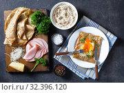 Купить «buckwheat galette with fried egg, cheese, ham», фото № 32396120, снято 30 августа 2019 г. (c) Oksana Zh / Фотобанк Лори
