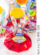 Купить «Russia, Samara, March 2019: Disposable Shrovetide dolls prepared for burning at the winter farewell festival.», фото № 32406124, снято 10 марта 2019 г. (c) Акиньшин Владимир / Фотобанк Лори
