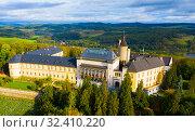 Купить «Top view of medieval castle Zbiroh», фото № 32410220, снято 10 октября 2019 г. (c) Яков Филимонов / Фотобанк Лори