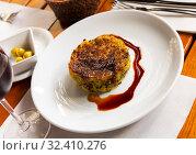 Купить «Top view of traditional Catalan Trinxat de Cerdanya from cabbage and boiled potatoes», фото № 32410276, снято 14 ноября 2019 г. (c) Яков Филимонов / Фотобанк Лори