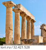 Купить «Columns of Temple of Aphaea in Aegina», фото № 32421528, снято 13 сентября 2019 г. (c) Роман Сигаев / Фотобанк Лори