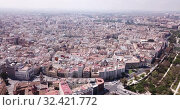 Купить «Aerial view of Valencia cityscape in sunny spring day, Spain», видеоролик № 32421772, снято 16 апреля 2019 г. (c) Яков Филимонов / Фотобанк Лори