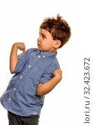 Kleiner Junge in Pose, Symbol für Kindheit, Sorglosigkeit, Verschmitztheit. Стоковое фото, фотограф Zoonar.com/Erwin Wodicka / age Fotostock / Фотобанк Лори