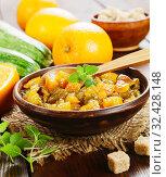 Купить «Варенье из кабачков с апельсинами на столе», фото № 32428148, снято 24 июля 2019 г. (c) Надежда Мишкова / Фотобанк Лори