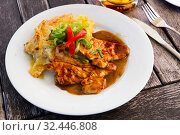 Купить «Roasted сhicken with baked potatoes and vegetables. Czech dish», фото № 32446808, снято 26 января 2020 г. (c) Яков Филимонов / Фотобанк Лори