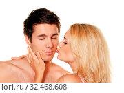 Paar hat Spass und Freude. Liebe, Erotik und Zärtlichkeit im Alltag. Стоковое фото, фотограф Zoonar.com/Erwin Wodicka / age Fotostock / Фотобанк Лори