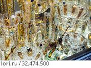 Bohemian crystal in shop showcase. Стоковое фото, фотограф Яков Филимонов / Фотобанк Лори