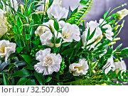 Купить «Composition with bouquet of freshly cut flowers.», фото № 32507800, снято 26 февраля 2020 г. (c) easy Fotostock / Фотобанк Лори