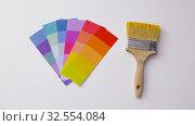 Купить «paint brush and color palette on white background», видеоролик № 32554084, снято 28 ноября 2019 г. (c) Syda Productions / Фотобанк Лори