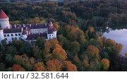 Купить «Top view of medieval castle Konopiste Castle. Czech Republic», видеоролик № 32581644, снято 12 октября 2019 г. (c) Яков Филимонов / Фотобанк Лори