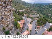 Hairpin road to Castelmola town in the Province of Messina in the Italian region Sicily. Стоковое фото, фотограф Konrad Zelazowski / easy Fotostock / Фотобанк Лори