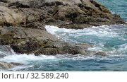 Купить «Turquoise rolling wave, slow motion», видеоролик № 32589240, снято 22 сентября 2019 г. (c) Игорь Жоров / Фотобанк Лори