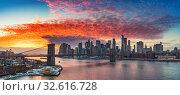 Купить «Brooklyn bridge and Manhattan at sunset», фото № 32616728, снято 10 января 2018 г. (c) Sergey Borisov / Фотобанк Лори