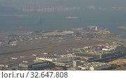 Aerial view at Chek Lap Kok airport, timelapse (2019 год). Редакционное видео, видеограф Игорь Жоров / Фотобанк Лори
